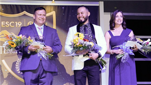 Picture of Teachers on stage at awards gala 2018 at El Paso Convention Center